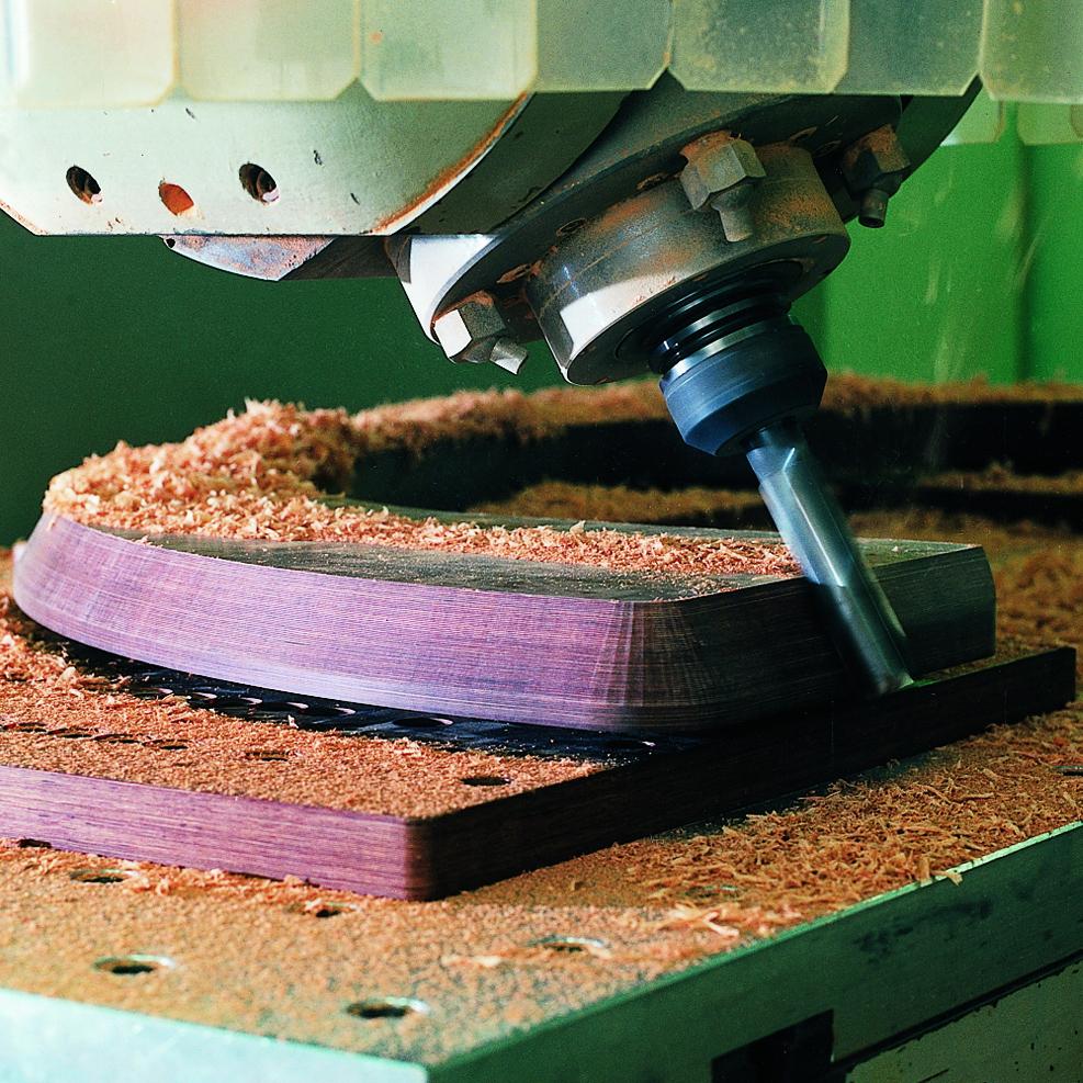 Festholz in der Bearbeitung