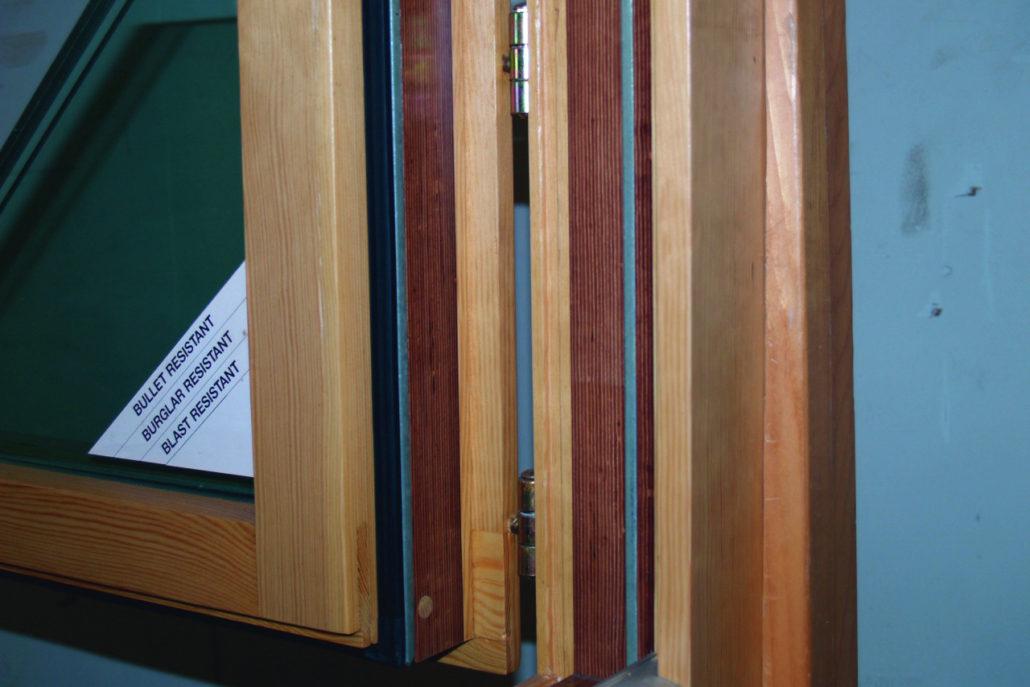 Fenster aus Panzerholz