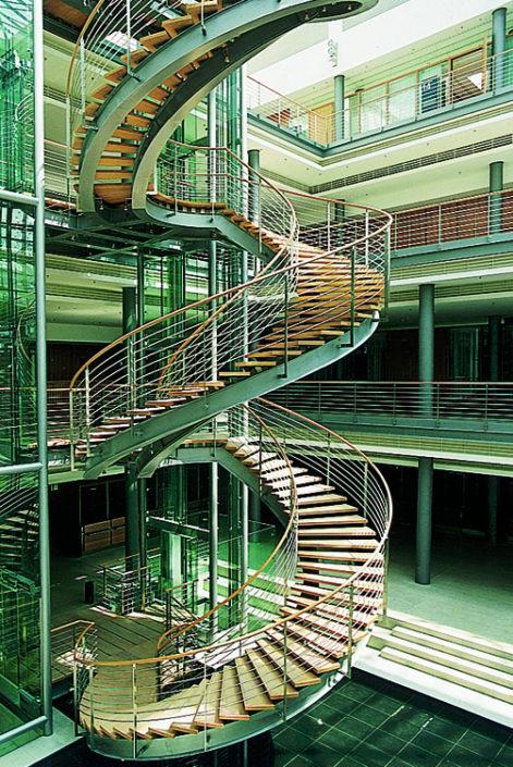 Treppenstufenplatte aus Sperrholz