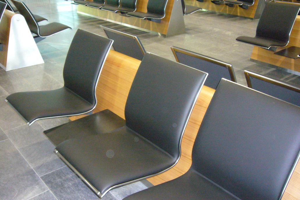 Sitze im Flughafen Zürich